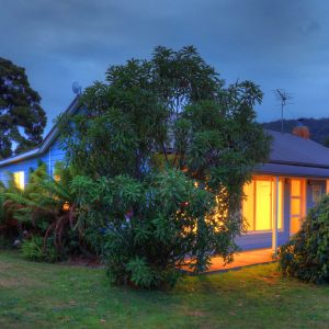 Castaway Cottage: Beachfront Tasmania