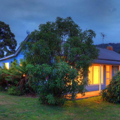 Castaway Cottage: Beachfront Tasmania